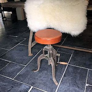 Industriële krukken en stoelen