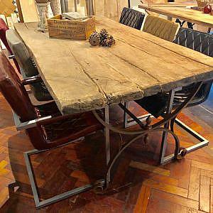 Stoere tafel 100x200